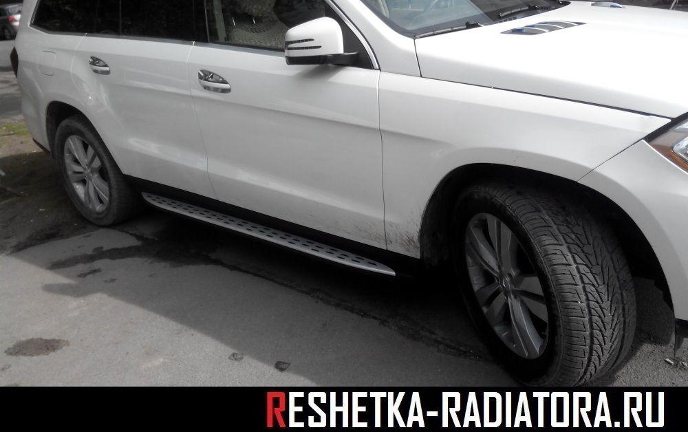 Пороги/подножки боковые Mercedes-Benz GL X166 2012-2015 RR340